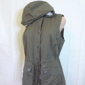 7d28f14ded91f NOK NOK Jackets   Coats - Olive Green Hooded Vest L Sleeveless Safari Jacket